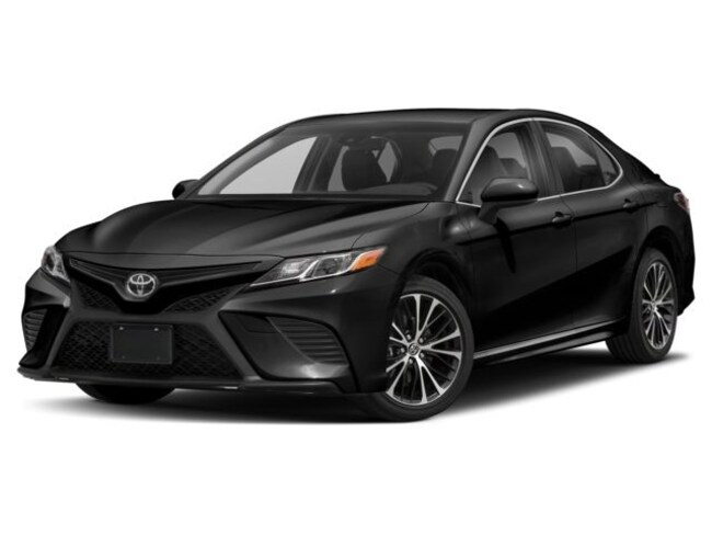 2018 Toyota Camry 4-Door Sedan SE 6A Berline