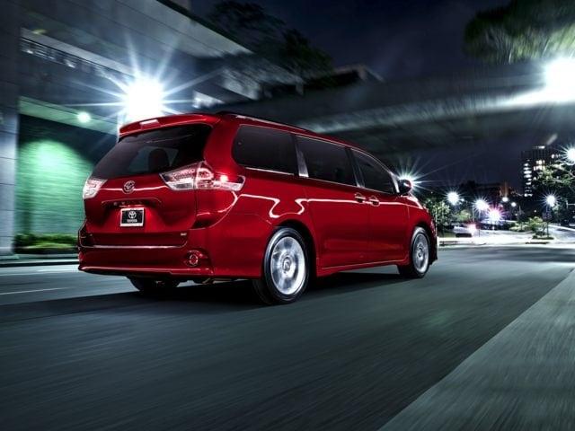 2017 Toyota Sienna SE 8 Passenger Van