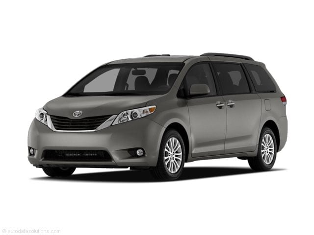 Used 2011 Toyota Sienna Mini-van, Passenger in the Greater St. Paul & Minneapolis Area