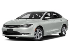 2017 Chrysler 200 Limited Sedan
