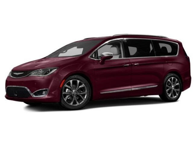 New 2017 Chrysler Pacifica Touring Van for sale in the Brunswick, OH