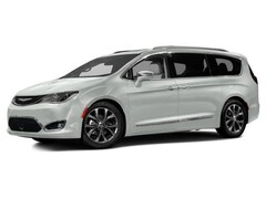 New 2017 Chrysler Pacifica Touring-L Van C80241 in Woodhaven, MI
