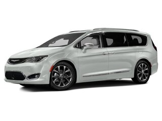 New 2017 Chrysler Pacifica Limited Van in Burlingame