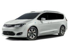 New Chrysler Jeep 2018 Chrysler Pacifica Hybrid Limited Van Passenger Van in Syracuse, NY