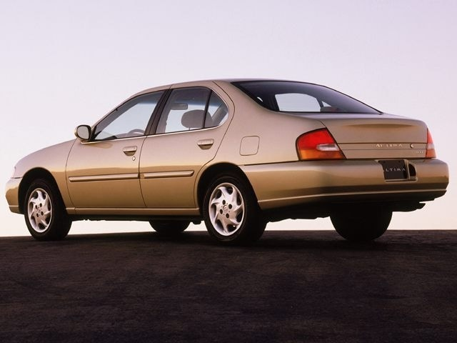 Used 1999 Nissan Altima Sedan in the Greater St. Paul & Minneapolis Area