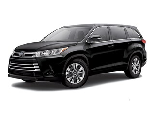 New 2017 Toyota Highlander LE I4 SUV for sale in Southfield, MI at Page Toyota