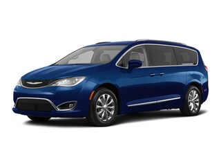 New 2018 Chrysler Pacifica Touring L Van Bullhead City