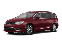 2018 Chrysler Pacifica Touring L Van Passenger Van 2C4RC1BG8JR102300 for sale in Effingham, IL at Goeckner Bros., Inc.