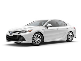 New 2018 Toyota Camry Hybrid LE Sedan in Maumee