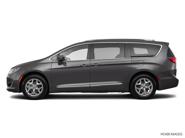 New 2017 Chrysler Pacifica CHRYSLER PACIFICA TOURING-L PLUS Mini-van, Passenger near Minneapolis & St. Paul MN