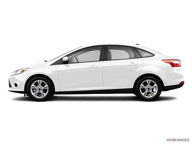 2013 ford focus se sedan - Ford Focus 2013 Sedan White
