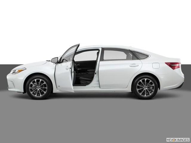 2016 Toyota Avalon Hybrid XLE Premium Sedan