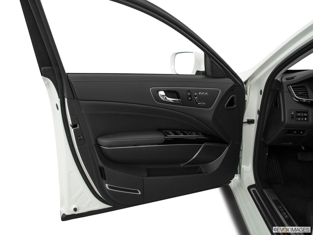 2016 Kia K900 Sedan
