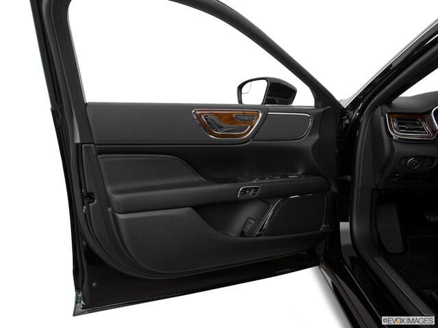 2017 Lincoln Continental Sedan