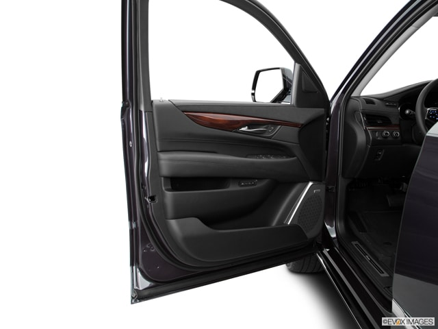 2017 CADILLAC ESCALADE ESV SUV