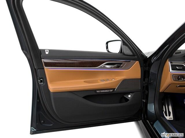 2017 BMW M760 Sedan