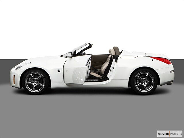 2009 Nissan 350Z Convertible at Berlin City Nissan ME
