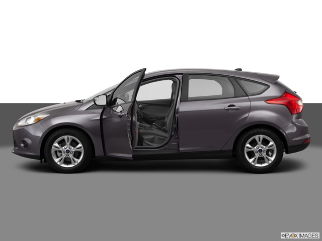 previousnext - Ford Focus 2014 Hatchback White