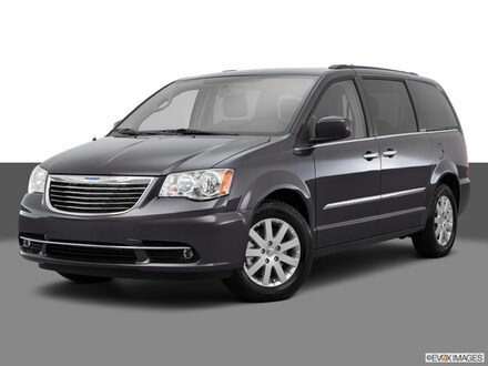 2015 Chrysler Town & Country Touring Van