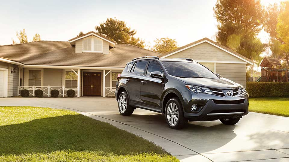 Compare the rav4 in boone vs honda cr v nissan rogue for Honda crv vs toyota rav4 2014