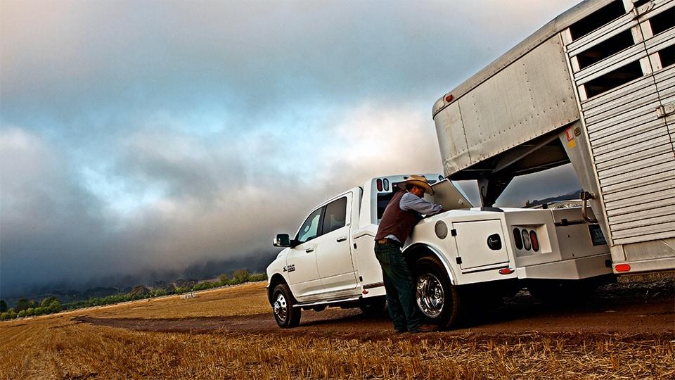2015 2016 ram trucks new ram for sale near south bend in for Lochmandy motors elkhart in