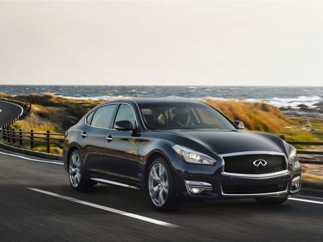 2017 INFINITI Q70L Sedan