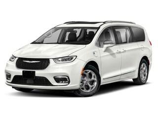 2021 Chrysler Pacifica Hybrid Pinnacle Van for sale in Nanaimo, BC