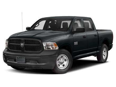 2021 Ram 1500 Classic Night Edition 4x4 Crew Cab 5.6 ft. box 140 in. WB