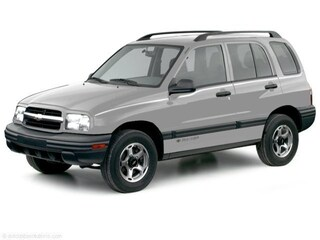 2000 Chevrolet Tracker BASE SUV