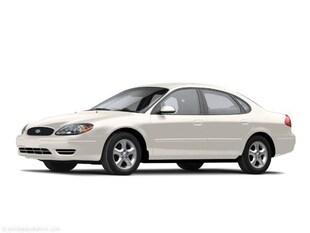 2004 Ford Taurus SE Standard Sedan