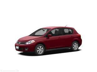 2009 Nissan Versa 1.8 SL-AS TRADED Hatchback