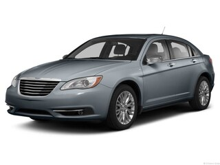 2013 Chrysler 200 LX Car
