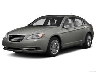 2013 Chrysler 200 Limited 4dr Car