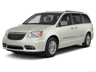 2013 Chrysler Town & Country Touring Van