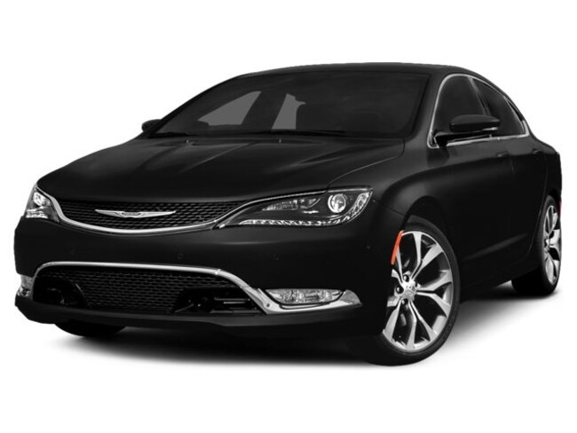2015 Chrysler 200 LX Car