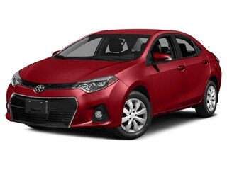 2015 Toyota Corolla S: Moonroof and Low Kms! Sedan