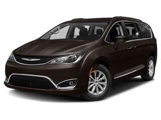 2017 Chrysler Pacifica Touring-L,Navigation,DVD,Local Mini-van Passenger