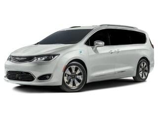2017 Chrysler Pacifica Hybrid Platinum Van Passenger Van