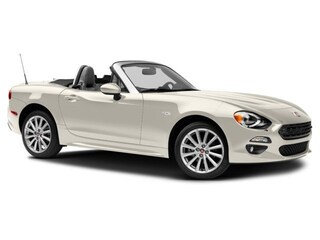 New 2017 FIAT 124 Spider Lusso Convertible near Oakville, ON