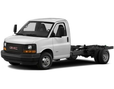 2017 GMC Savana Cutaway 3500 1WT Truck
