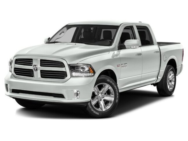 Used 2017 Ram 1500 SLT Truck Crew Cab  Serving Winnipeg