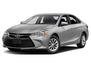 2017 Toyota Camry XLE : low kms ! Sedan