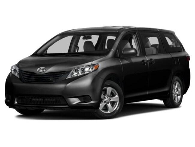 2017 Toyota Sienna 7-Passenger V6 7 Pass. Van Passenger Van