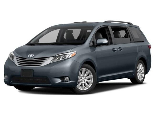 2017 Toyota Sienna XLE AWD 7-Passenger V6 Van Passenger Van