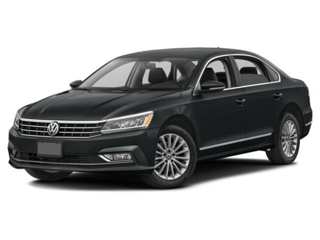 2017 Volkswagen Passat Highline 1.8T 6sp at w/ Tip Berline