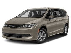 2018 Chrysler Pacifica Touring Van Passenger Van