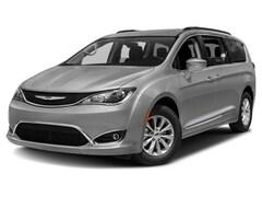 2018 Chrysler Pacifica Touring-L Van Passenger Van