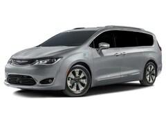 2018 Chrysler Pacifica Hybrid Touring-L Van Passenger Van