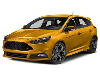 2018 Ford Focus ST Base Hatchback