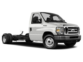 2018 Ford Econoline 450 Cutaway Base DRW Chassis Truck